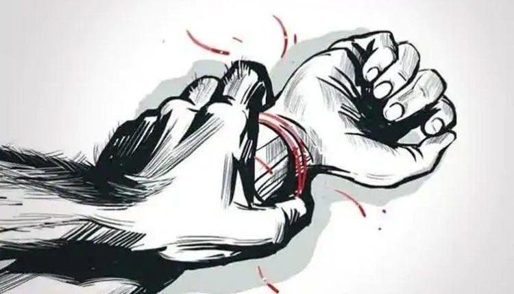 UP woman rape by husband's friends