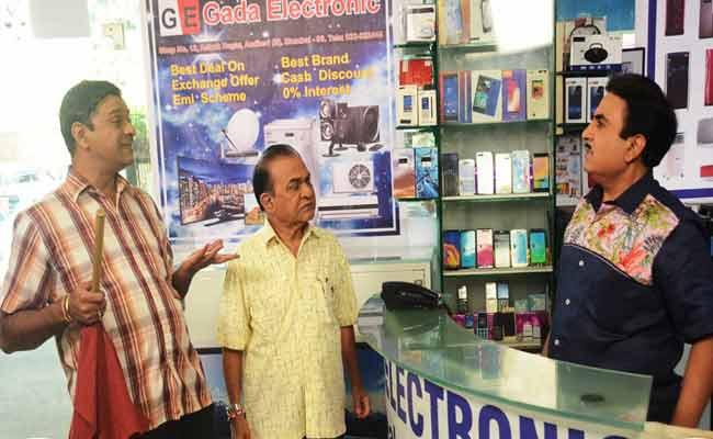 Bagha And Nattu Kaka To Gift Magic Wand To Jethalal