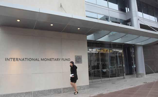 IMF Asks Pakistan To Cut Reliance On China