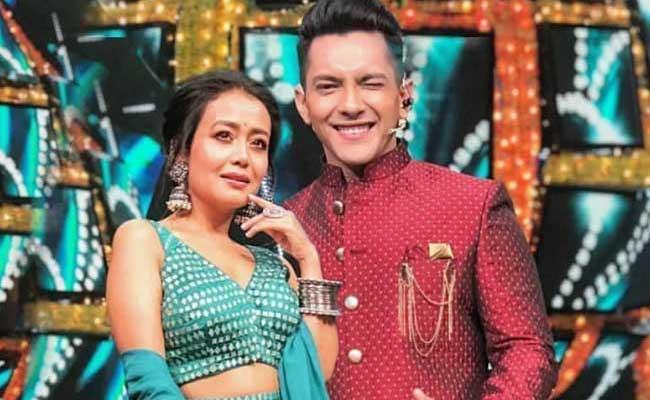 Neha Kakkar Aditya Narayan Fake Fling Helps Indian Idol Judge Woo Back Her Ex Boyfriend