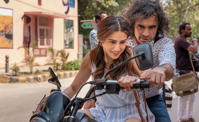 Sara Ali Khan Is On Trial And Error Learning Bike With Imtiaz Ali