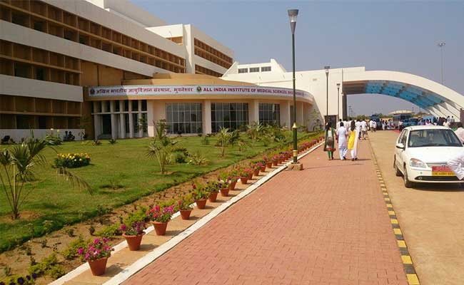 aiims doctors test positive for COVID-19