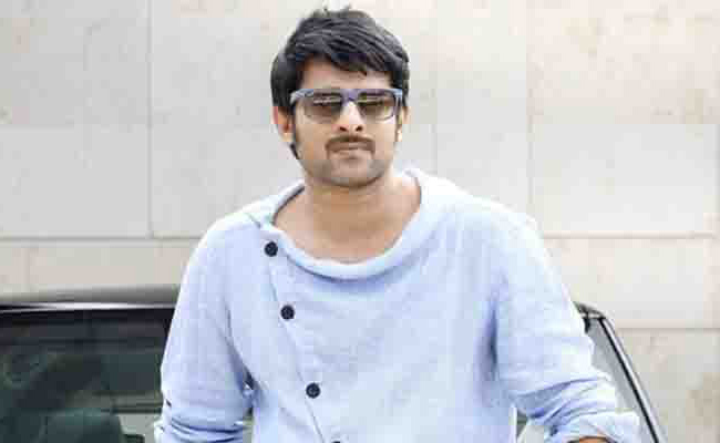 Prabhas To Romance Kiara Advani In Adipurush? May Sign New Movie With Tamil Director Soon