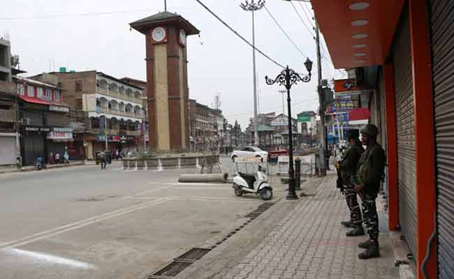 SC refuses to refer Article 370 matter to larger bench