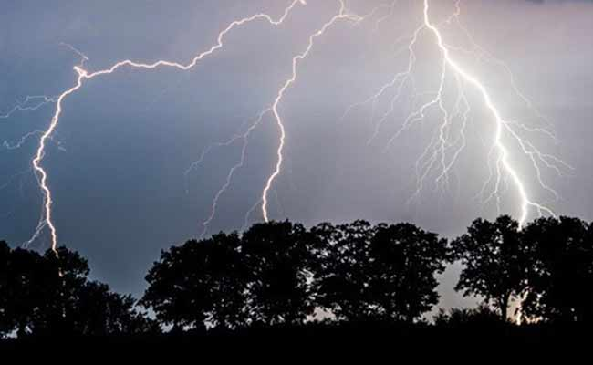 Thunderstorm and lightning alert for 7 districts