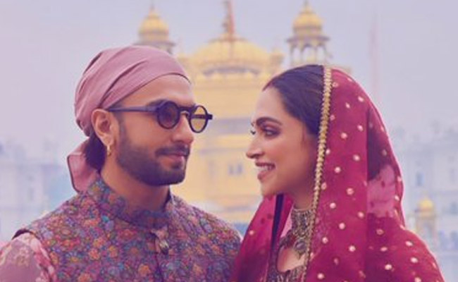 Ranveer Singh Takes Out Extra Time To Be With Deepika Padukone As She Shuttles Between Taj and Alibaug