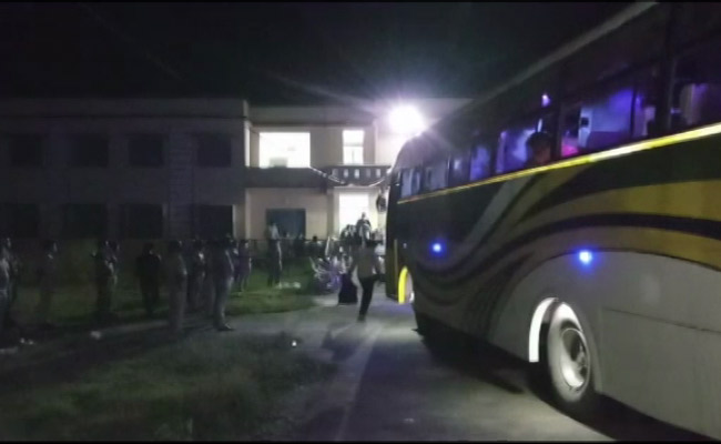 COVID-19 Lockdown: First Lot Of Odia Migrants From Surat Reach Odisha After 60-Hour Journey