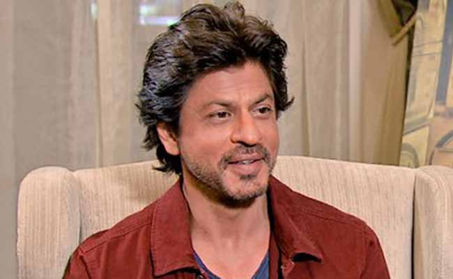 COVID19: Shah Rukh Khan provides 25,000 PPE kits to Maharashtra