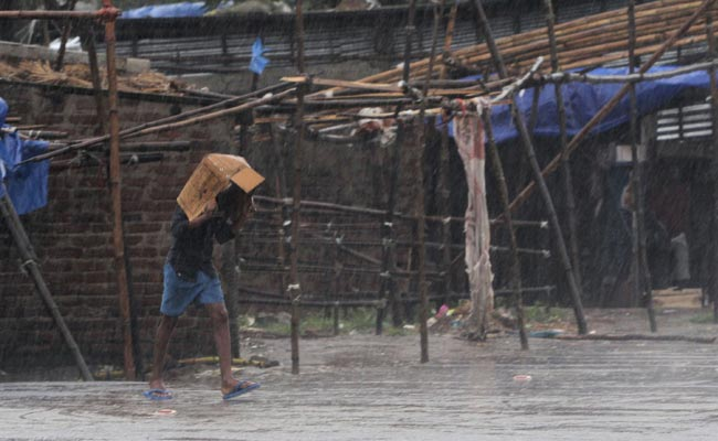 Twelve killed as cyclone Amphan batters Bangladesh