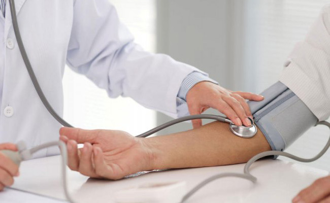 Hypertensive Individuals Run Higher Risk Of COVID Infection