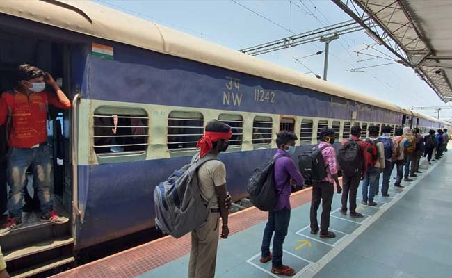 shramik-trains-to-run-in-full-capacity-with-3-stoppages