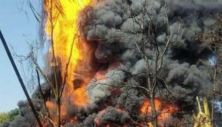 Assam Oil Well Fire Rages: 2 Firefighters Dead, Many Houses Damaged