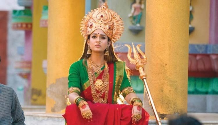 Nayanthara's First Look From Mookuthi Amman!, Marriage Rumors & More