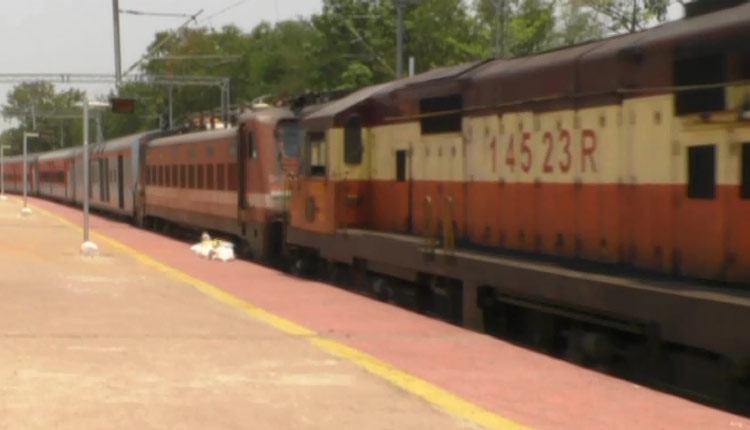 Migrant Woman Delivers Baby Onboard Shramik Special Train In Odisha