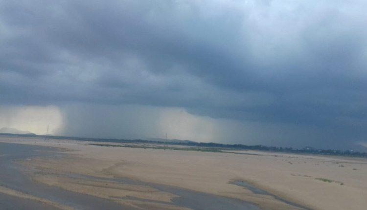 IMD Issues thunderstorm and lightning alert