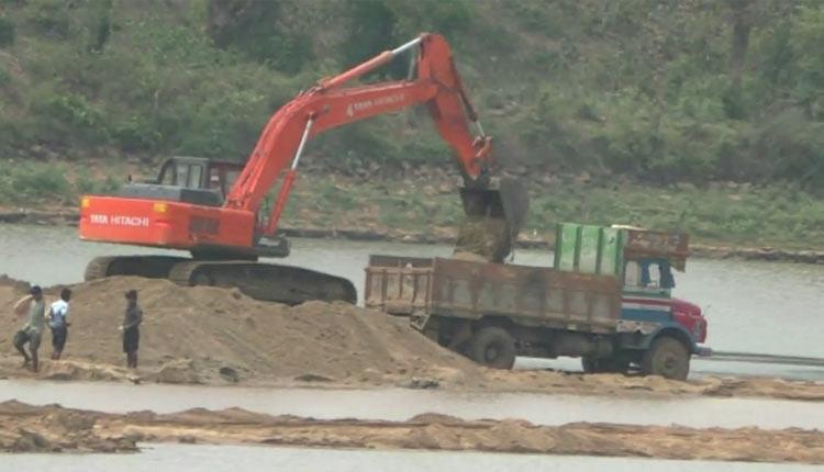 Illicit Sand Mining Corroding Baitarani Banks, People Blame Govt Apathy