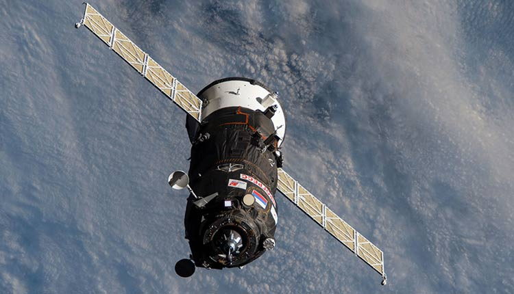 Spacex Crew Dragon Flight To Fly 4 Astronauts To International Space Station