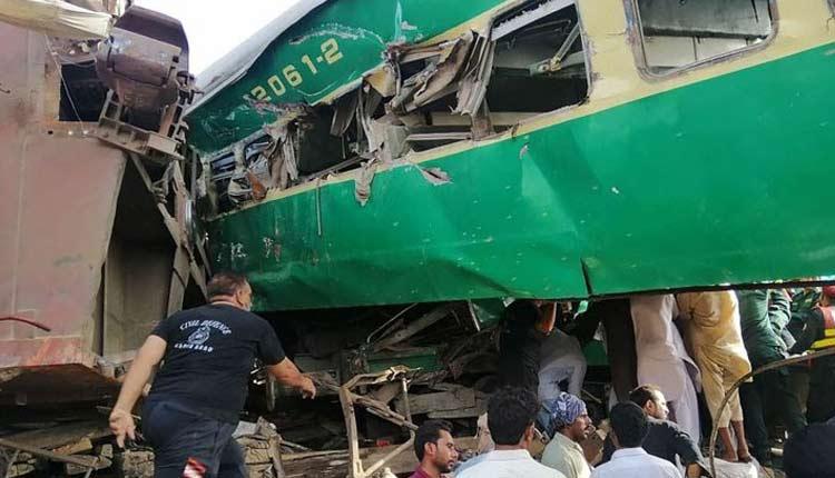 19 Sikh Pilgrims Killed In Bus-Train Collision In Pakistan