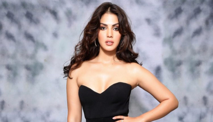 Rhea Chakraborty Appeals Amit Shah for CBI enquiry