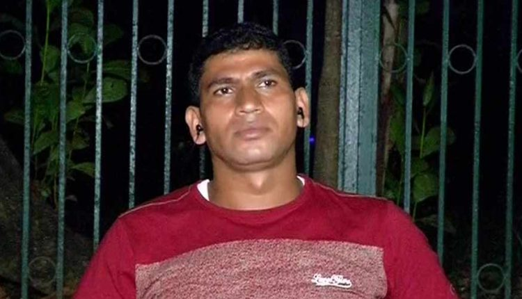 COVID Crisis Compels Odia Bollywood Stuntman To Sell Vegetables