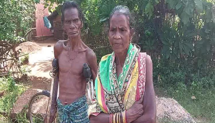 Divyang farmer Gokul Nayak and his farmers