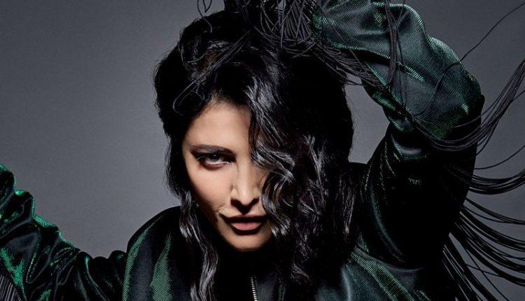 Shruti Haasan Do not Want To Follow Priyanka Chopra