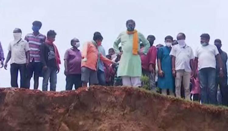 BJP National VP Baijayant Panda Alleges 'Substandard' Embankment Work In Kendrapara