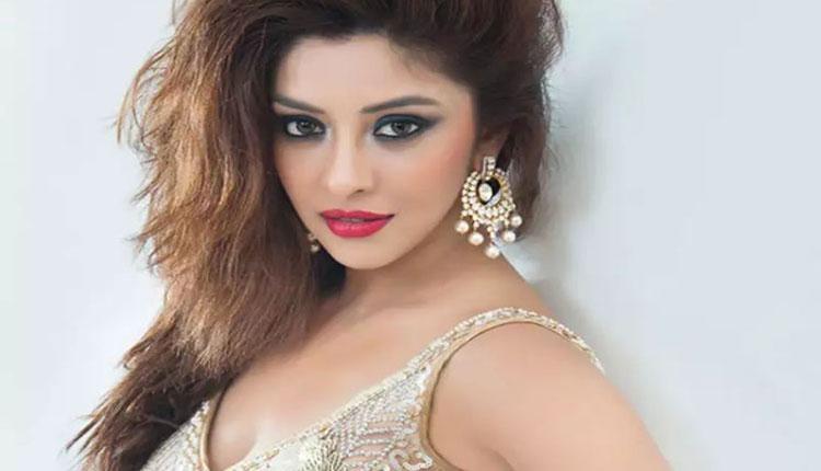 Payal Ghosh Drags Huma Qureshi, Richa Chadha & Mahi Gil In Her Allegations Against Anurag Kashyap