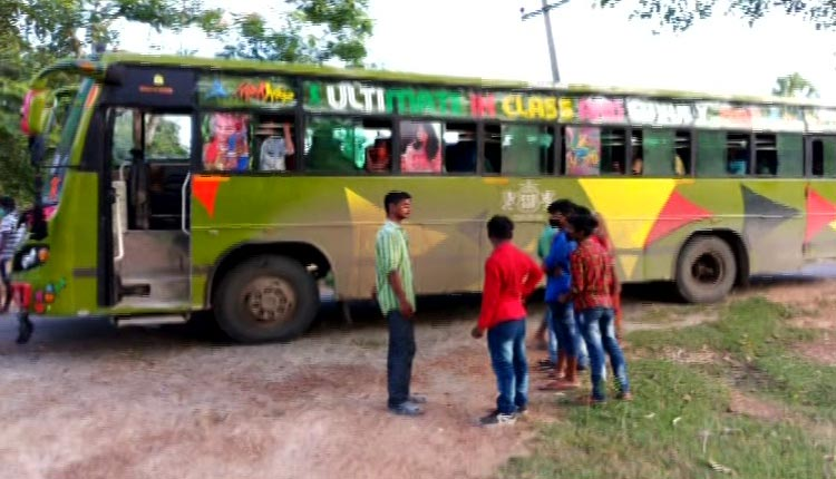 TN bus stopped