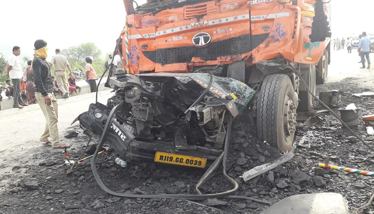 Angul: Two Killed In Collision Between Two Trucks
