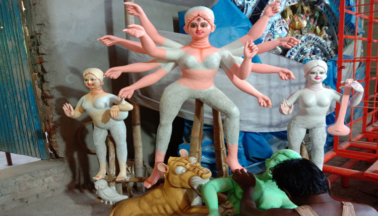 Bhubaneswar: Witness Durga Puja Aarti & Pushpanjali ONLINE Amid Covid Times