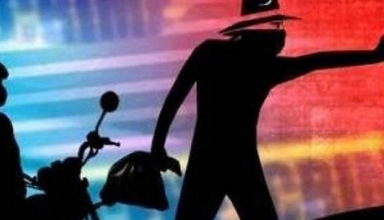 Early Morning Robbery In Bhubaneswar, Miscreants Snatch Ornaments From Woman