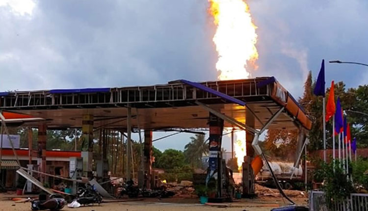 Bhubaneswar Filling Station Explosion: Petroleum Ministry Officials Visit Spot, Start Probe