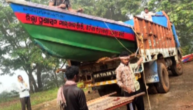 After Anand Mahindra's Offer, Malkangiri Admin Gets Its Act Together, Despatches Boat For Anganwadi Workers
