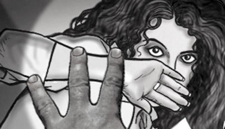 Auto-Driver Attempts To Rape Girl After Kidnapping Her; Victim Rescued By Cattle-grazers
