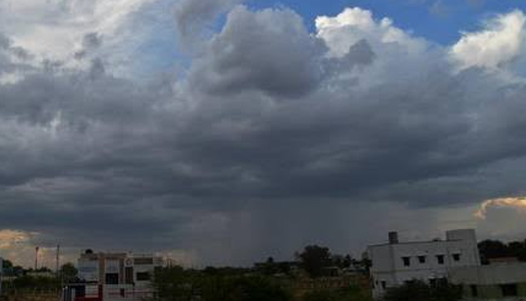 Fresh Weather Alert: These Five Districts In Odisha To Receive Heavy Rainfall, Wind Speed Upto 70 Kmph