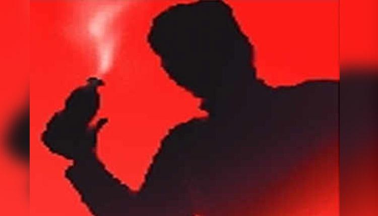 Acid Attack In Bihar Leaves 20 Injured