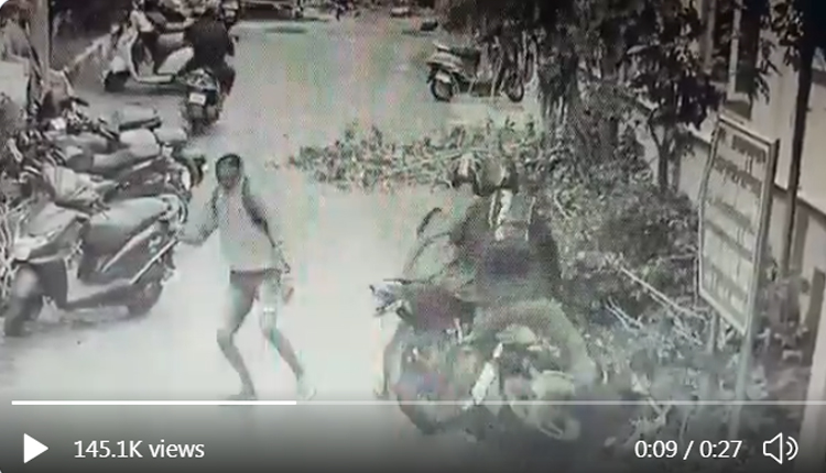 What A Catch! Chennai SI Nabs Bike-Borne Mobile Snatcher | Video Inside