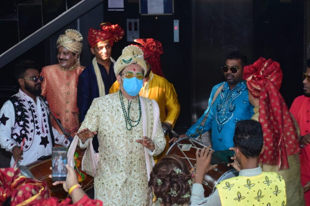 FIRST pictures of Aditya Naryan's Wedding Exclusively Here! See Here