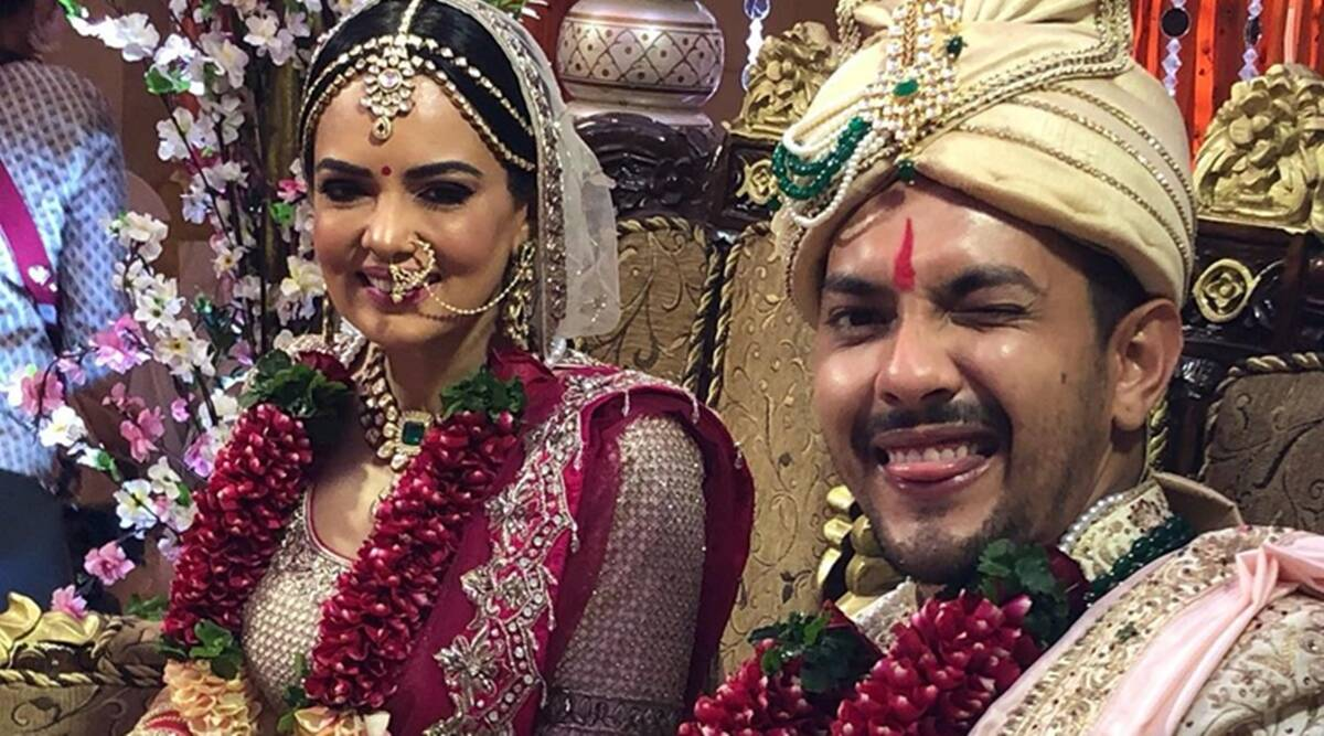 Aditya Narayan S Actual Wedding Pictures From Iskon Temple In Mumbai Out