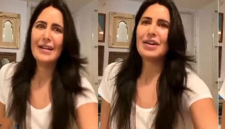 Watch Katrina Kaif's hilarious reaction after Her Sister Points out she was live on Instagram #Throwback