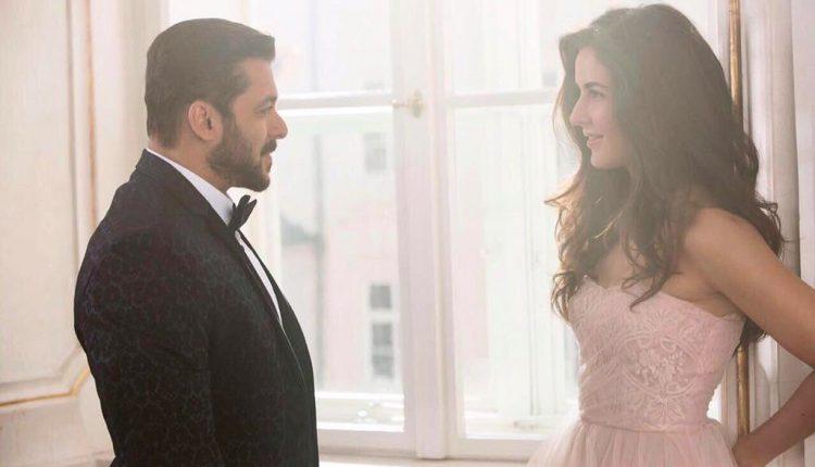 Salman Khan Pacifying Crying Katrina Kaif; Watch!