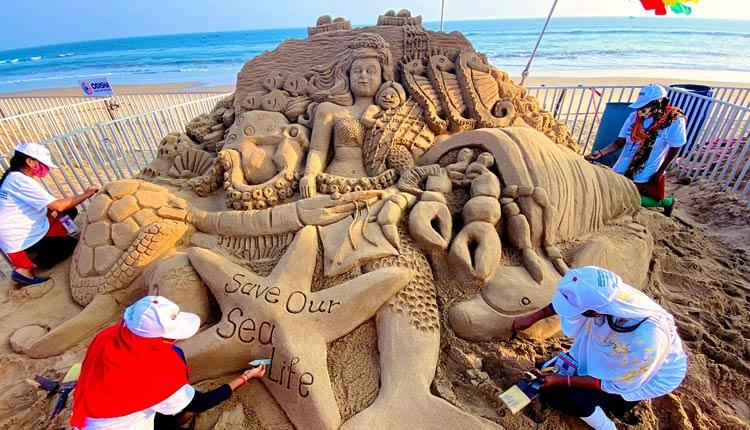 Konark: Stunning Sculptures In International Sand Art Festival Leave Crowd  Awestruck | OTV News