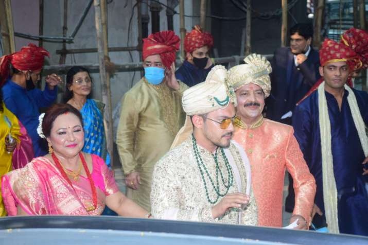FIRST Pictures Of Aditya Narayan's Wedding Exclusively Here! See Here