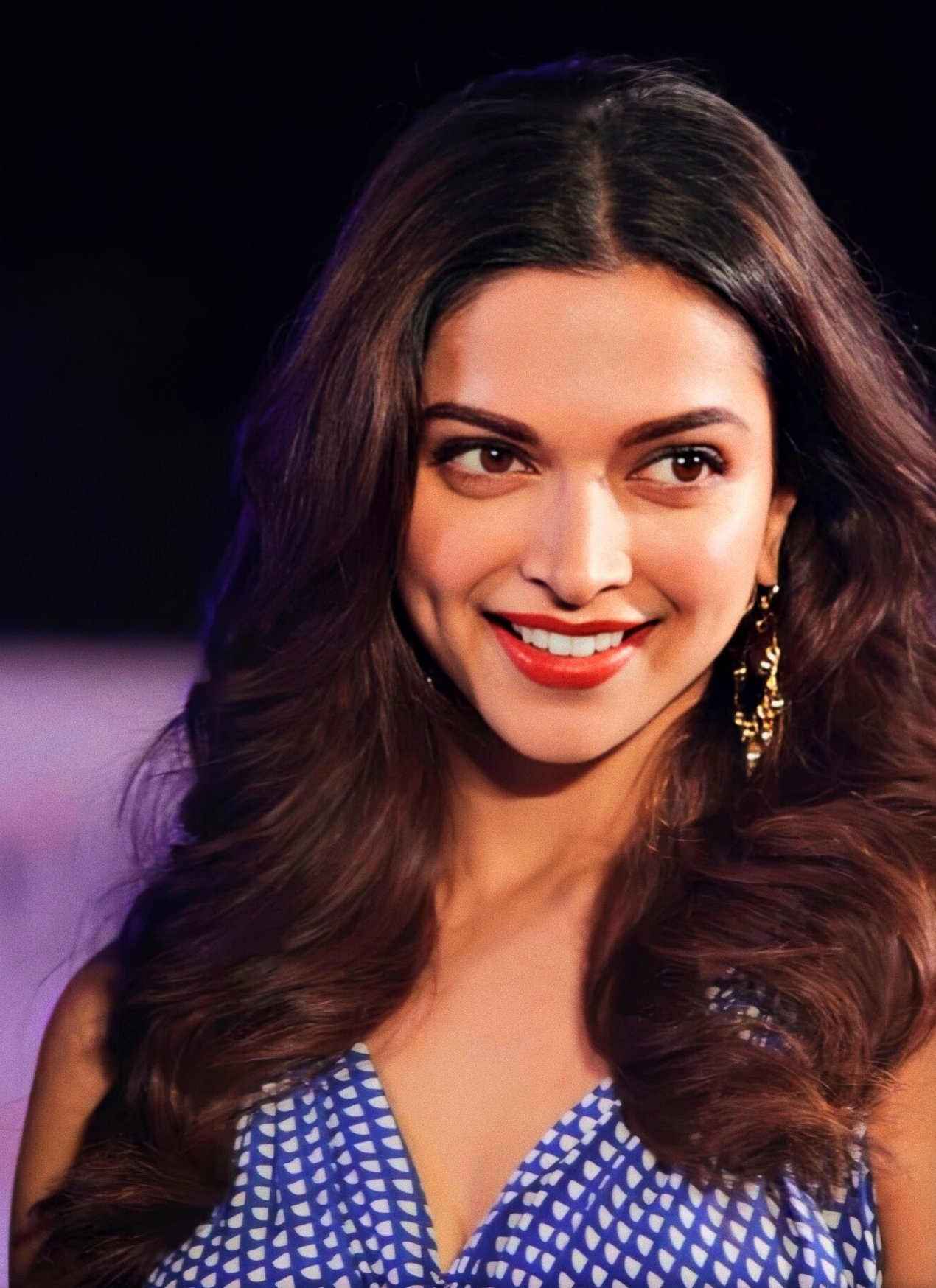 Deepika Padukone Wows Fans With Her Soothing Voice on ...