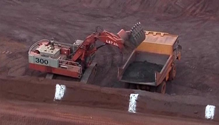 Mining block auction