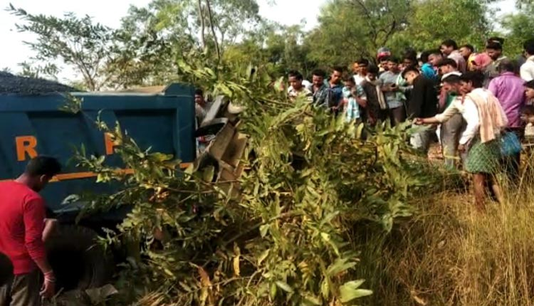 3 Including 2 Women Killed In Collision Between Auto Rickshaw, Dumper In Boudh