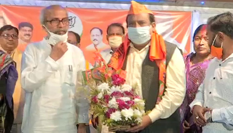 Former Balasore MLA Jeeban Pradip Das joins BJP