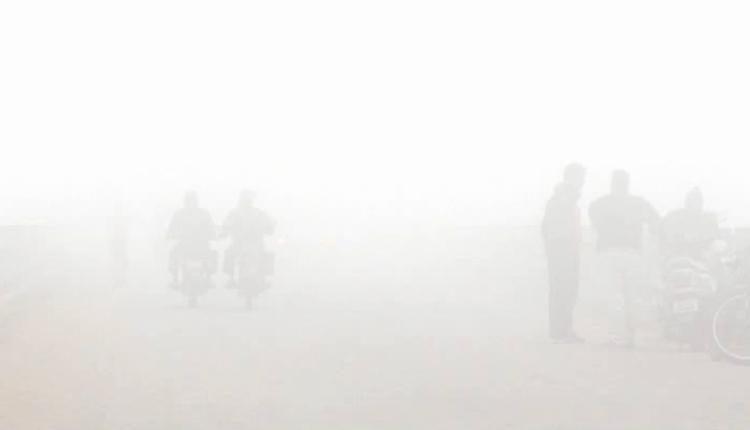 Dense fog engulfs several parts of Odisha today morning
