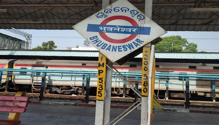Covid-19 Graph Sees Upward Trend In Odisha; Screening Centres At Bhubaneswar Railway Station
